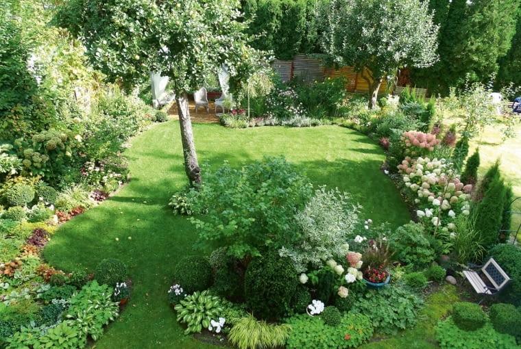 Ogródek jest niewielki, dzięki temu wszystko mogę w nim robić sama.