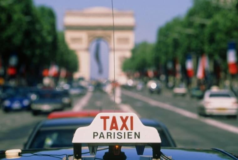 Pola Elizejskie w Paryżu - Avenue des Champs-Élysées