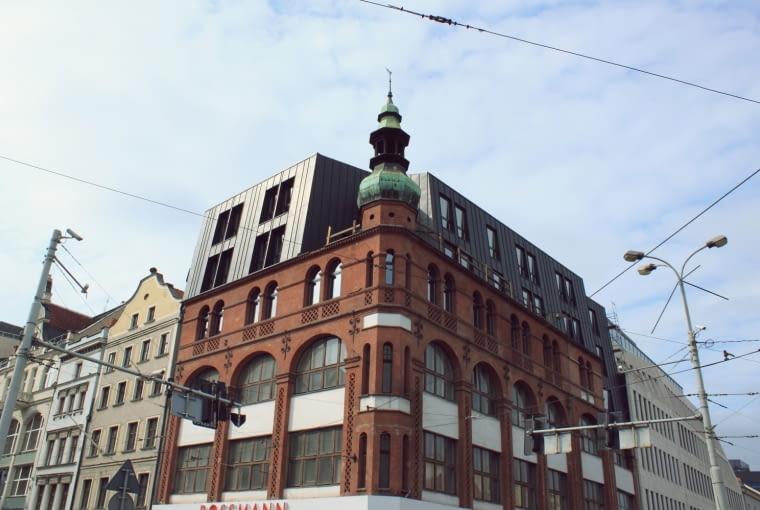 Nadbudowa kamienicy na rogu Ruskiej i Kazimierza Wielkiego we Wrocławiu