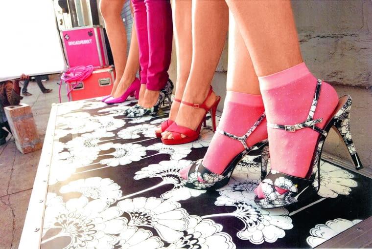 Kate Spade zafascynowana twórczością Broadhurst, poświęciła australijskiej projektantce swoją wiosenną kolekcję ubrań w 2012 roku.