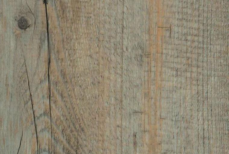 Ambra Wood/Wineo Klasa użyteczności: 23/31 panele winylowe grubość: 2 mm dekor Arizona Oak Grey struktura powierzchni: struktura drewna zintegrowany podkład wyciszający łączenie na click. Cena: 155,90 zł/m2, www.wineo-polska.pl