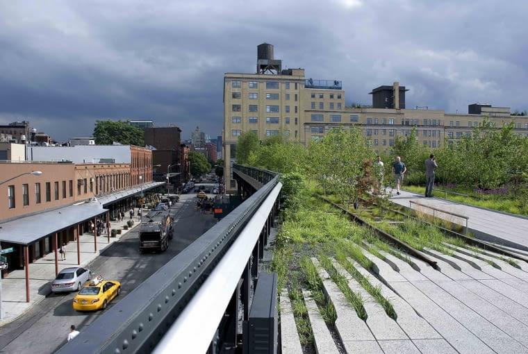 Wśród wyróżnionych pojawiła się także rewitalizacja z Nowego Jorku. High Line to ponad 1,9 km opuszczonych torów kolejowych, które zostały przekształcone w park miejski.