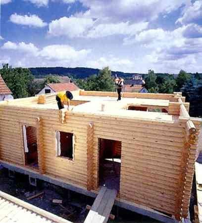 Budowa drewnianego domu w stanie surowym zwykle trwa od 2 do 4 tygodni - bardzo szybko