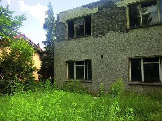 stary dom do remontu