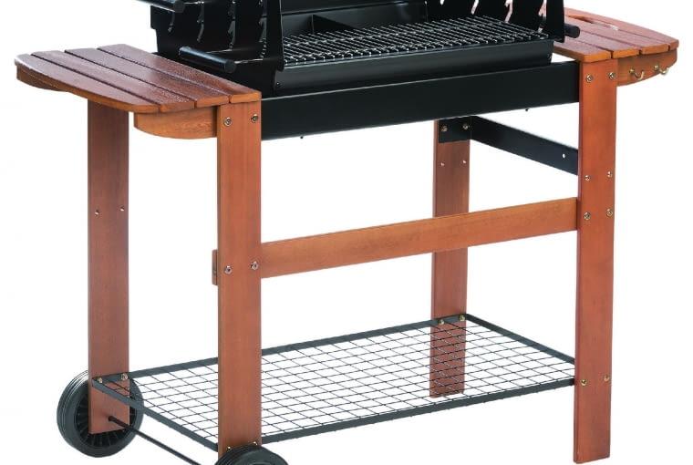 Grill węglowy/LEROY MERLIN Dwa ruszty; na kółkach; wymiary: 120 x 46 cm, wys. 95 cm. Cena: 599 zł, www.leroymerlin.pl