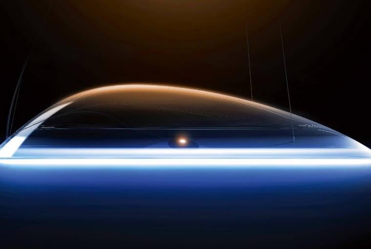 Ameluna to wspólne dzieło inżynierów Mercedesa i włoskiej designerskiej firmy Artemide, znanej z konstrukcji wyjątkowych lamp. Powstał prawdziwy majstersztyk współczesnej technologii. Wyjątkowy kształt to jedno. Ale do tego dochodzi jeszcze możliwość zmiany zarówno natężenia światła, jak i jego barwy. Ameluny można łączyć wspecjalnej aplikacji w smartfonie.