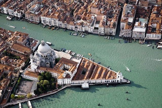 Muzeum Punta della Dogana, Wenecja, Włochy, proj. Tadao Ando