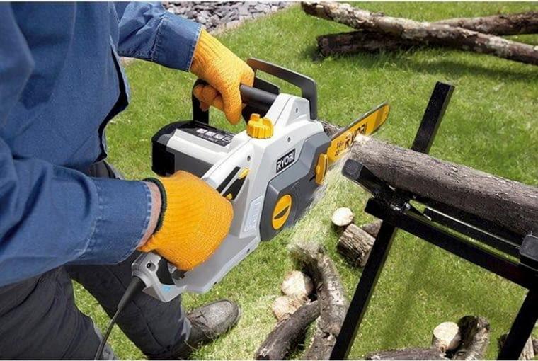 Narzędzia ogrodowe, pilarka spalinowa, narzędzia do cięcia