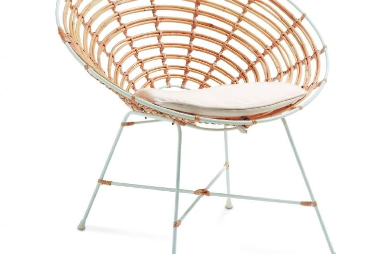 Kartell. Wygodne krzesło o lekkiej, ażurowej konstrukcji. Bawełniana poduszka w komplecie, 1239 zł, La Forma/Le Pukka