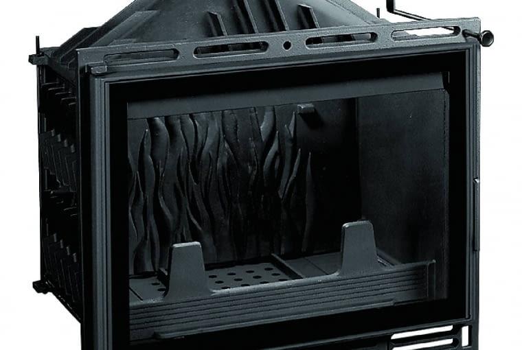 UNIFLAM 600 PLUS/GALERIA KOMINKÓW | Materiał: żeliwo | moc: 8 kW | paliwo: drewno | szyber do regulacji siły ciągu, doprowadzenie powietrza do spalania z zewnątrz, szyba prosta z czarnym zdobieniem. Cena: 1749 zł, www.galeriakominkow.pl