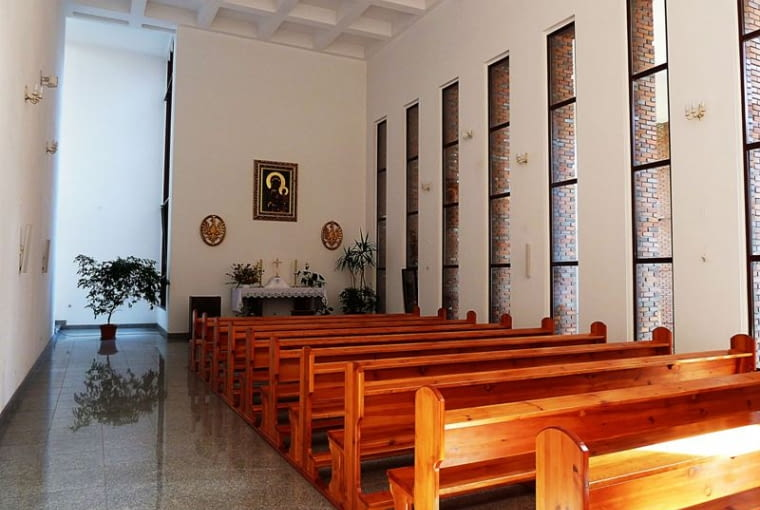 Kościół p.w. św. Stanisława Kostki na wrocławskim osiedlu Huby wzniesiony wg. projektu Stefana Mullera.