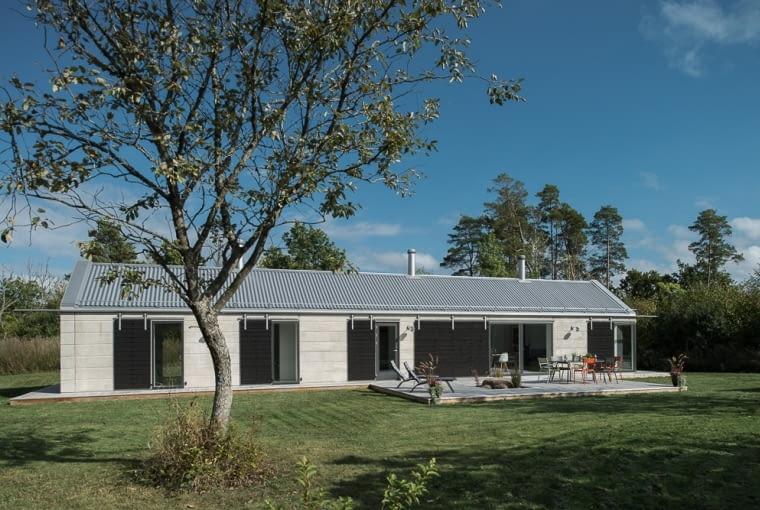 Parterowa willa w Szwecji, projekt: Timo Karasalo and GWSK Arkitekter