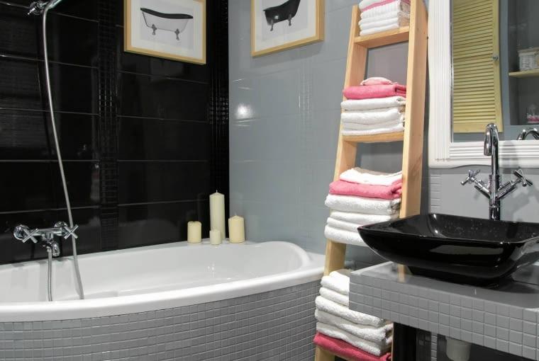łazienka z wanną, kolorowa wanna, aranżacja łazienki