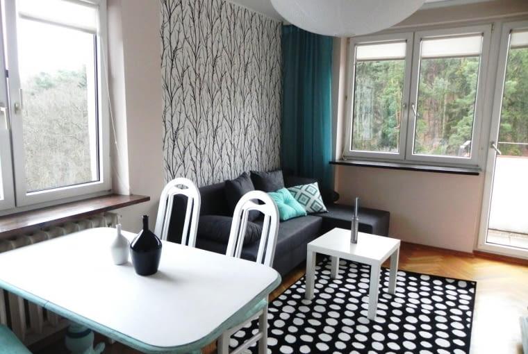 mały salon w bloku