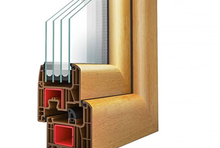 Wycena firmy DRUTEX, www.drutex.eu: System: profil z PVC Iglo Energy, zestaw szybowy dwukomorowy, Uw = 0,9 W/(m2K). Cena netto 10689,78 zł. Cena brutto 13148,43zł