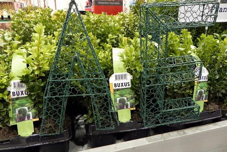 Targi Gardenia 2012. Formy do rzeźbienia krzewów