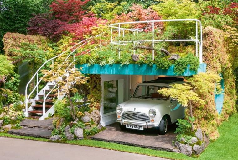 Senri-Sentei Garage Garden. Designed byKazuyuki Ishihara. Sponsored by: Henri-Senteiproject. RHS Chelsea Flower Show 2016.