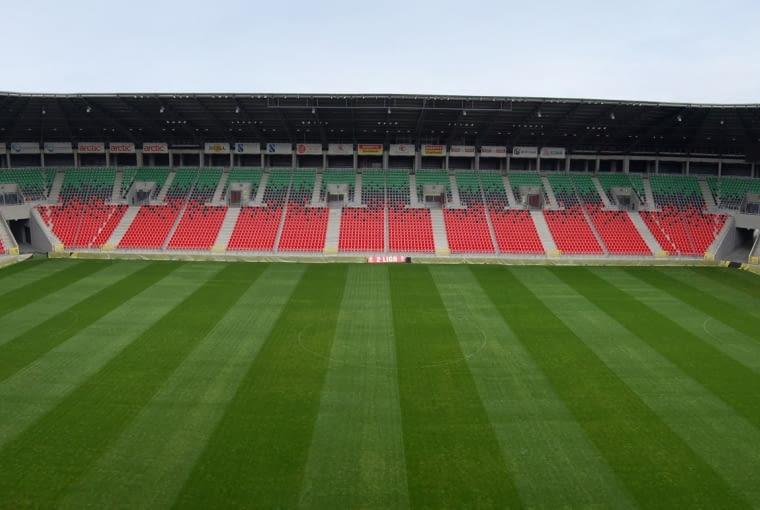 Stadion Miejski, Tychy - Polska (VI nagroda w głosowaniu internautów) - To jeden z mniejszych stadionów, które zwyciężyły w konkursie. Jego widownia jest w stanie pomieścić 15 150 widzów.