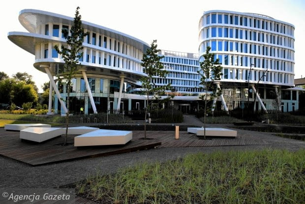 Kompleks biurowo hotelowy Business Garden przy Żwirki i Wigury w Warszawie (Fot. Jacek Marczewski / Agencja Gazeta)
