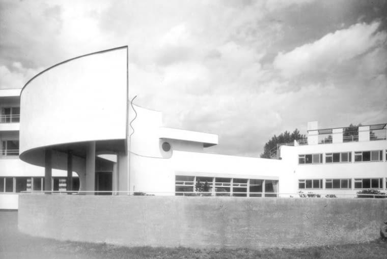 Dom dla osób samotnych i młodych małżeństw, proj. H. Scharoun,modernistyczne osiedle Wohnung und Werkraum Ausstellung (WUWA) 1929 Wrocław