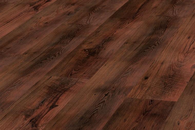 Dąb Leonardo Aurum Flooring Vision/Kronopol Klasa ścieralności: AC5 klasa użyteczności: 33 wymiary: 193 x 1380 mm, grubość 8 mm V-fuga struktura synchroniczna 3D 8 paneli w paczce. Cena: 59,99 zł/m2, www.kronopol.pl
