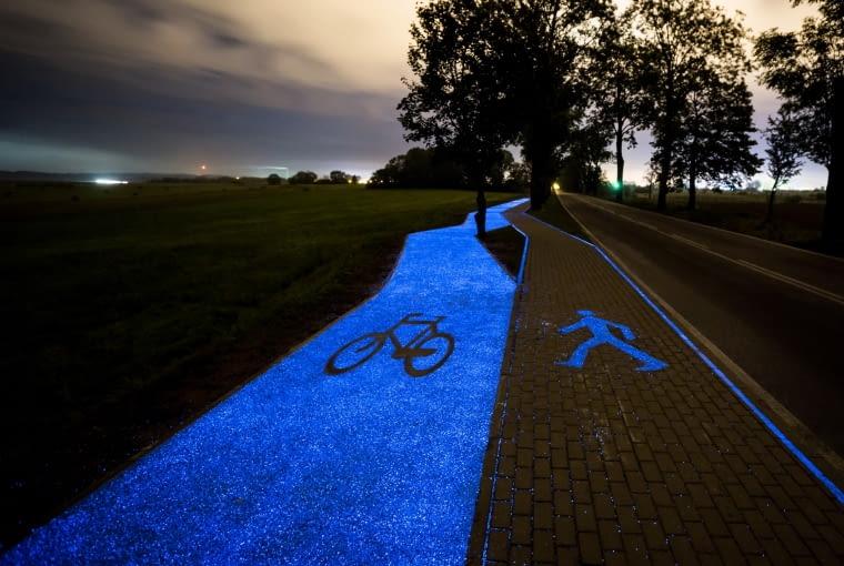 Pierwsza w Polsce świecąca droga dla rowerów