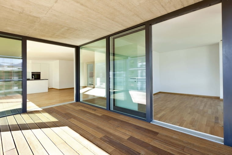 <beautiful new apartment, view of the rooms from the veranda