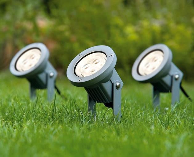 reflektorki led, oświetlenie zewnętrzne, oświetlenie domu, oświetlenie ogrodu