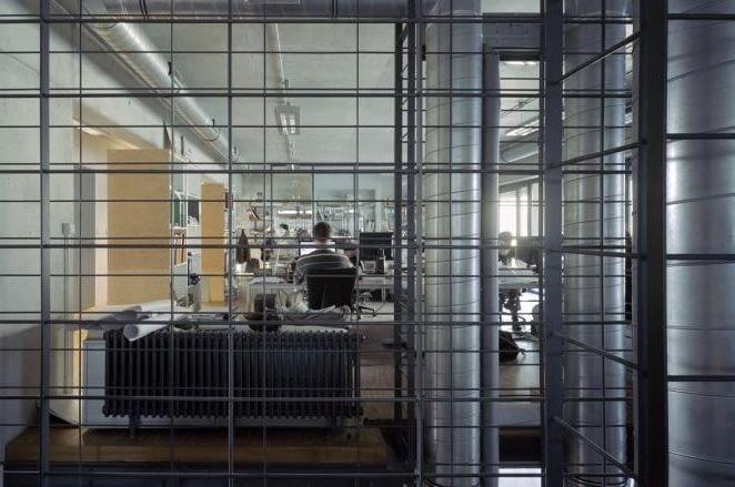 Siedziba pracowni architektonicznej JEMS w Warszawie - wnętrza sprzyjające kreatywnej pracy