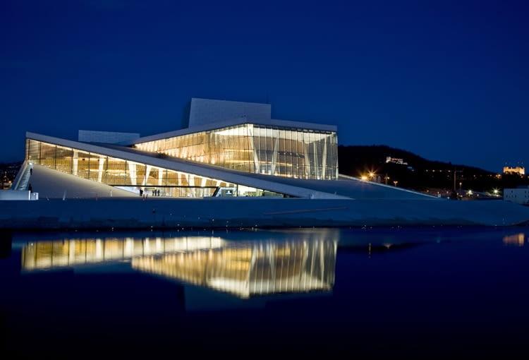 Budynek Norweskiej Opery Narodowej w Oslo, proj. Snohetta
