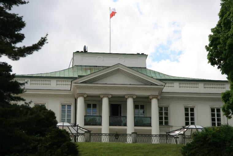 Dominantą Ogrodu romantycznego jest bryła Belwederu (obecnie siedziba Prezydenta RP), który stoi na szczycie skarpy.