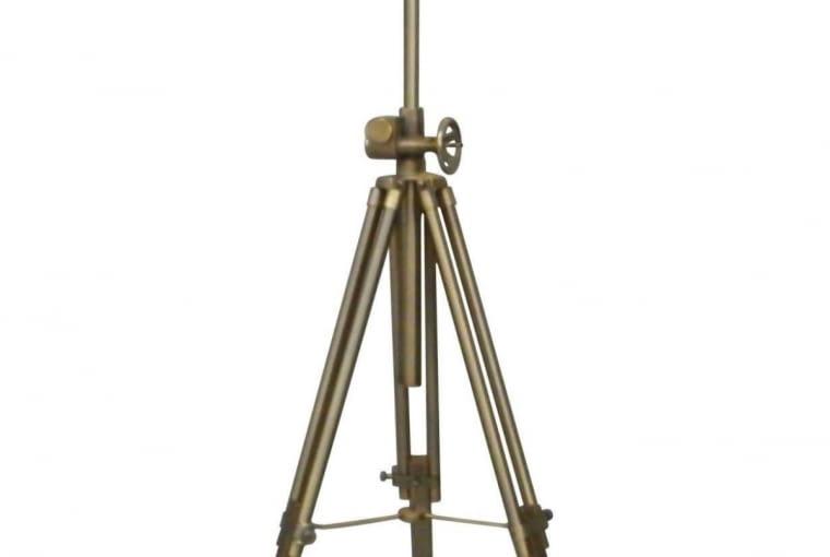 W stylu tego wnętrza: lampa na trójnogu TRIPOD SEVILLE, wys. 150 cm, 999 zł, lampy-sklep.pl