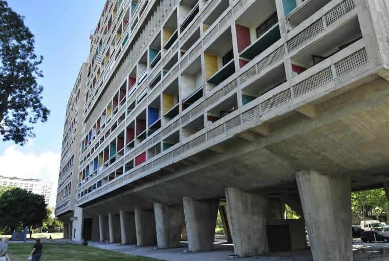 Jednostka Marsylska, proj. le Corbusier - fasada wschodnia