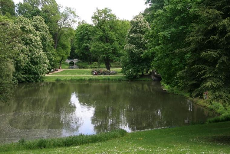 Jedno z wnętrz w ogrodzie romantycznym.