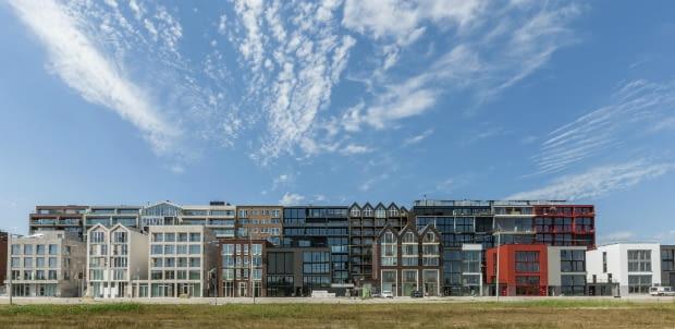 Lofty w Amsterdamie. Projekt: Marc Koehler Architects we współpracy z de Architecten Cie. Realizacja ta otrzymała nagrodę specjalną na World Architecture Festival w Berlinie.