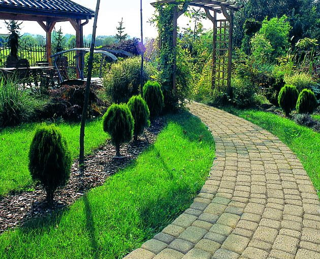 ścieżki w ogrodzie, nawierzchnia w ogrodzie