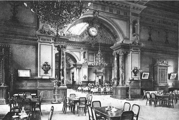 Poczekalnia 1 i 2 klasy na dworcu we Frankfurcie, 1890 r.