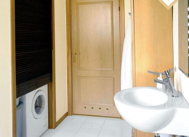 W łazience warto wygospodarować schowek na 'pralnię'