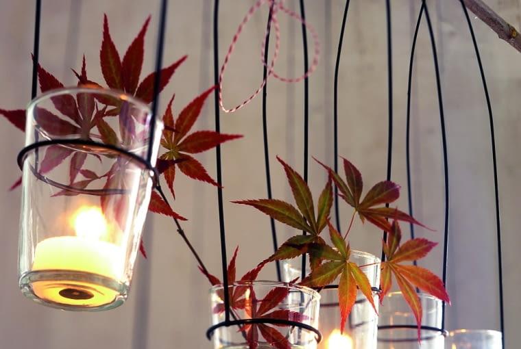 Prosty żyrandol jest wyjątkowo dekoracyjny. Można się nawet pokusić o zrobienie go samodzielnie.