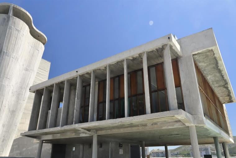 Jednostka Marsylska, proj. Le Corbusier - świetlica i południowy komin wentylacyjny