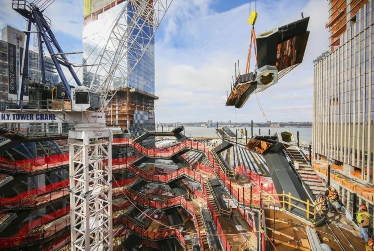 Vessel w Nowym Jorku w trakcie konstrukcji
