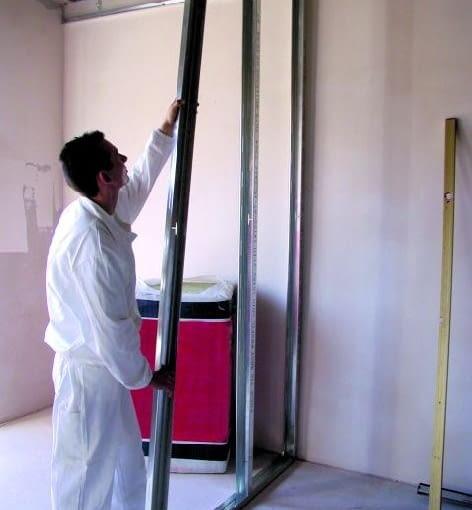 Ruszt ścian działowych czasem trzeba wzmocnić przez gęstsze rozstawienie profili