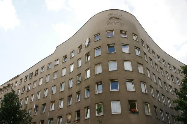 Zrealizowany w 1983 roku w Berlinie wielorodzinny budynek mieszkalny Schlesisches Tor