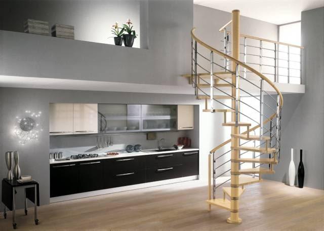 Lekkie elementy stalowe połączone z drewnem - takie balustrady są chętnie wybierane do niewielkich schodów i nowoczesnych wnętrz