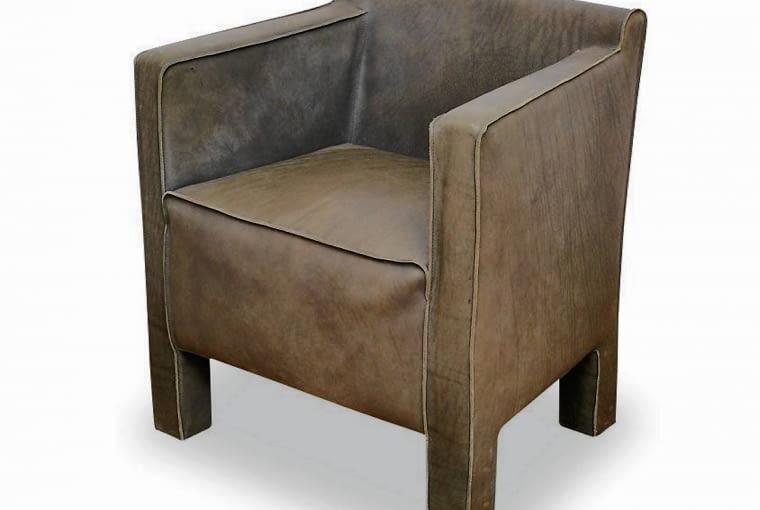 Elementy konstrukcyjne schowane pod tapicerką - charakterystyczna cecha mebli wypoczynkowych z lat 60.