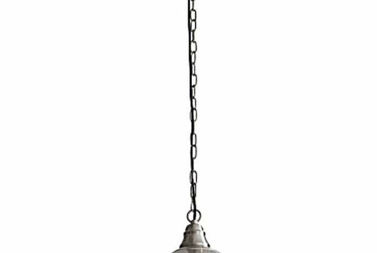 LAMPA na łańcuchu, z ochronną kratką na żarówce, jest wręcz niezbędną dekoracją loftu. CARLA, 171zł.