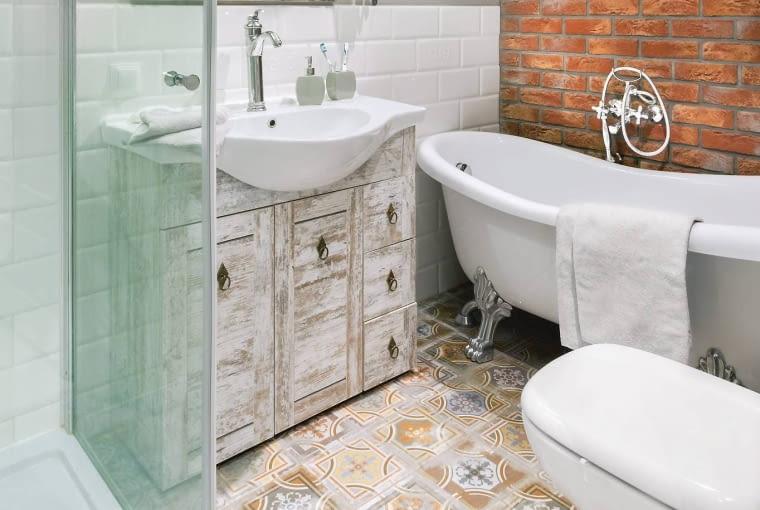 kolorowe płytki do łazienki, płytki łazienkowe, aranżacja łazienki
