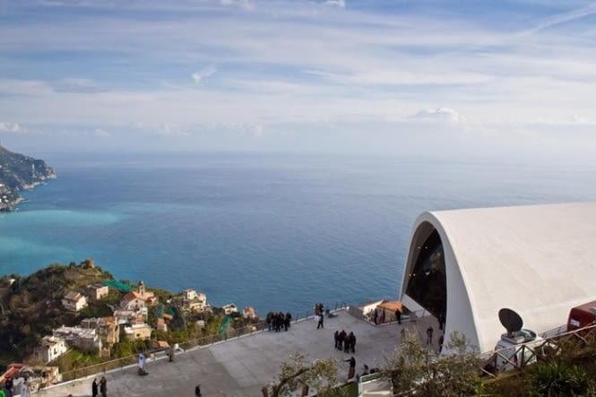 Audytorium w Ravello. Proj. Oscar Niemeyer.