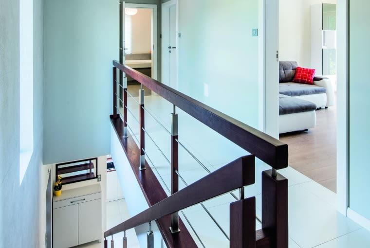 dom nowoczesny, dom pasywny, schody