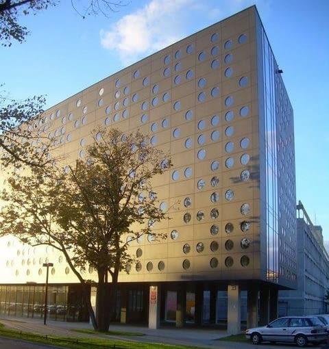 Budynek Zintegrowanego Centrum Studenckiego Politechniki Wrocławskiej, proj. Manufaktura nr 1: Piotr Krynicki, Artur Plaza, Mariusz Maury, Bogusław Wowrzeczka, Arkadiusz Chamielec, 2007